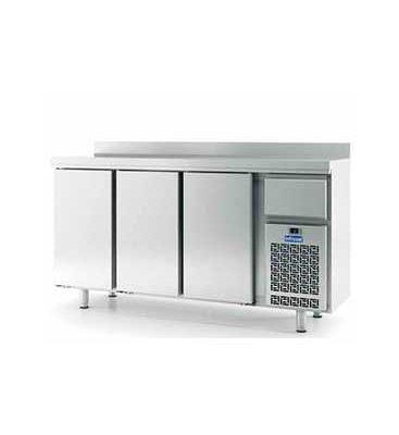 frente-mostrador-refrigerado-3-puertas-Infricool